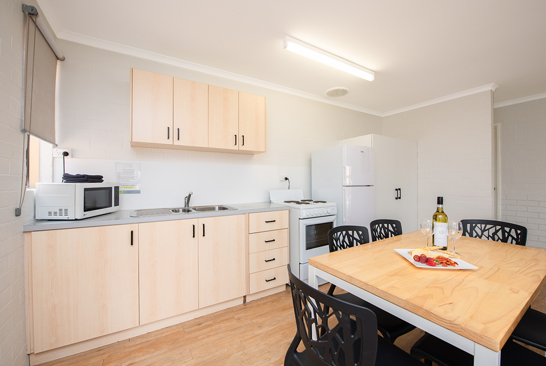 Fully Self Contained Kitchen, Dining, Laundry